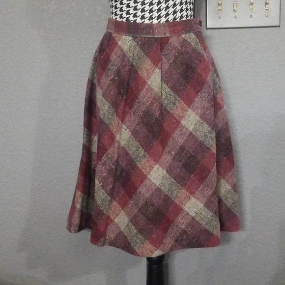 Vintage Dresses & Skirts - Stylish VTG Plaid Wool Skirt